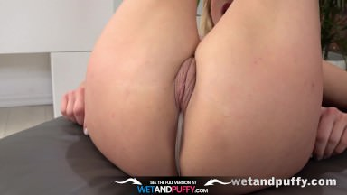 Wetandpuffy – Milf wrestles a monster dildo