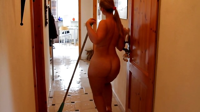 German PAWG Sarah Butt Ass Naked House Cleaning